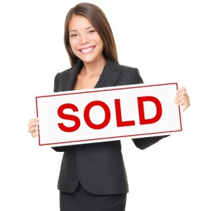 real-estate-agent-SOLD_sign
